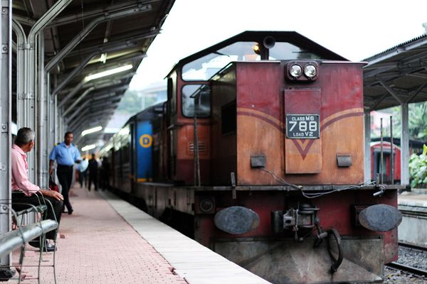Srilankan Trains